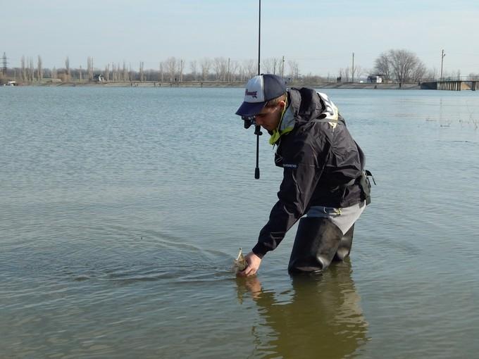 http://fishingstock.ua/upload/iblock/046/046baba1b59ed8301e458b7de5f6b698.jpg