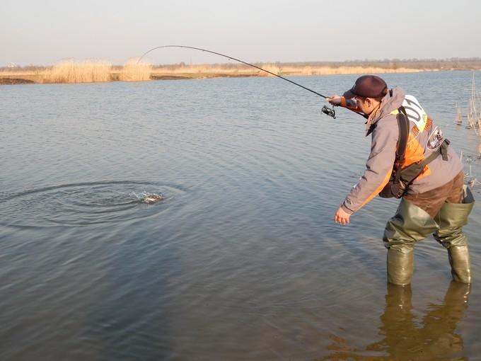 http://fishingstock.ua/upload/iblock/4b8/4b8f3a90b192afce75ef1f800e0f0e13.jpg